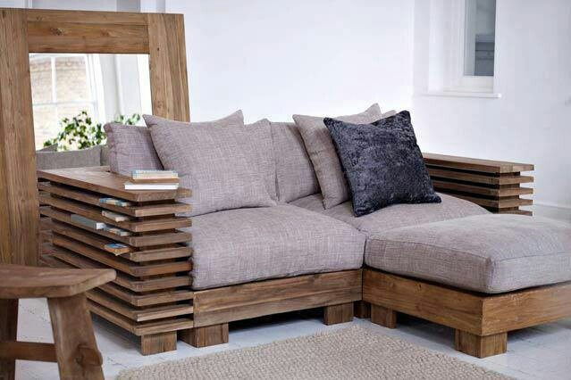 Pallet loveseat ottoman homemade furniture pinterest ottomans pallets and loveseats - Furniture for small spaces uk model ...