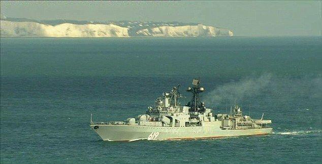 puissance russe: le président Poutine a Envoyé juin vers la flotte via la Syrie Manche, y compris Severomorsk 619, photo ci-dessus, Qui was vu croisière passé les falaises blanches de Douvres Dans Une photo capturée par la BBC Nouvelles