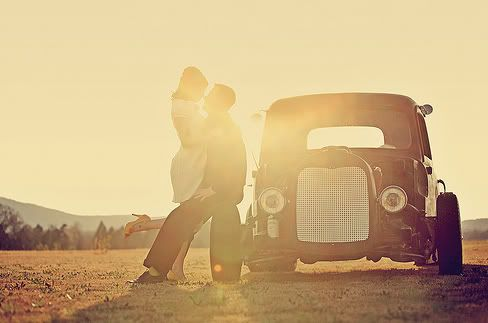 vintage wallie wallpaper cute romantic couple car