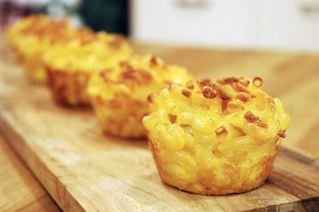 Muffin Kabında Peynirli Makarna