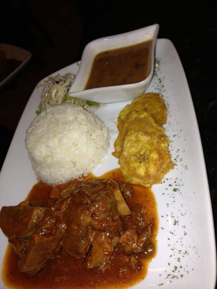 Chivo guisado arroz blanco habichuelas guisadas y fritos - Arroz blanco con bacalao ...