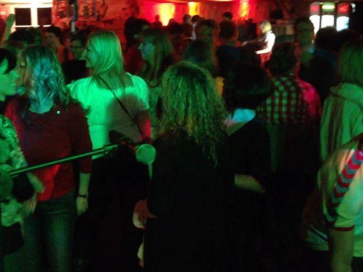 Amazing Partystimmung in Berlin zum Oktoberfest mit DJ Thorsten Nightfley Djing Berlin Musik zum feiern