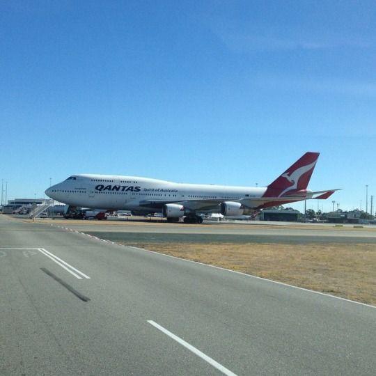 Qantas 747 VH-OEH...@qantas #boeing #747 VH-OEH at #perth airport. I love these planes so much. ✈️