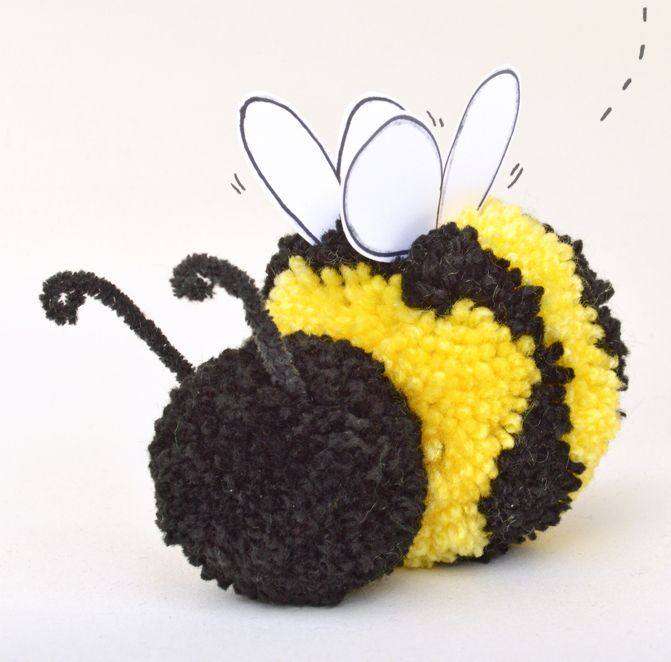 Simple and quick Pom Pom craft fun for kids - how to make a stripey pom pom bee with step by step photographs