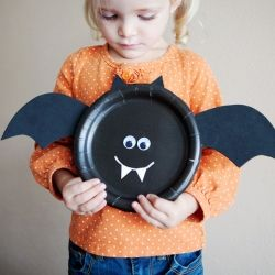 Create sweet + simple Halloween characters using paper plates and a short list of supplies.