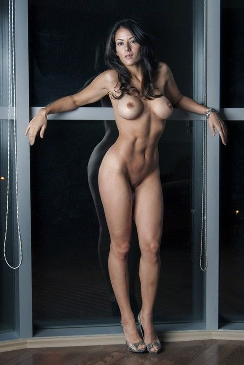 Very pretty woman nude