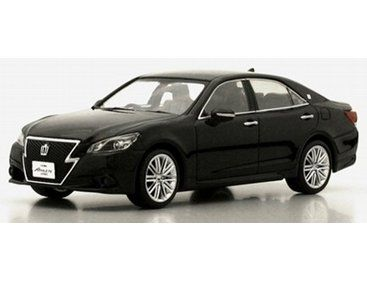 The Kyosho Toyota Crown Hybrid Athlete G Black Is A Superbly Detailed  Diecast Car In The Scale Cars Collection.