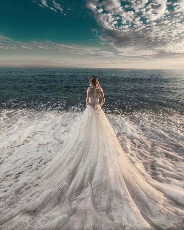Born of sea foam🌊 #repost @ugurkurukoc  #weddingday #dreamdress #amazingdress #awesome #girls #love #happy #fashion #pretty #weddinglook #weddingdress #weddingseason #weddingday #weddingstyle #bestphotographers #bestphotos #bestphoto #amazing #amazingdestinations #beautiful #photo #photography #photooftheday #picoftheday #photosession #wedgo #wedgonet #beauty #bride