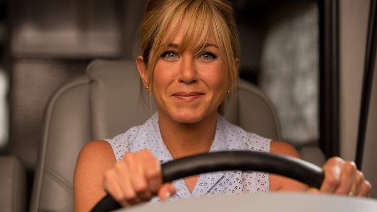 """J. Aniston as a """"Mean Mom""""?! Need I say more?! #Aniston #MeanGirls #MeanMom"""