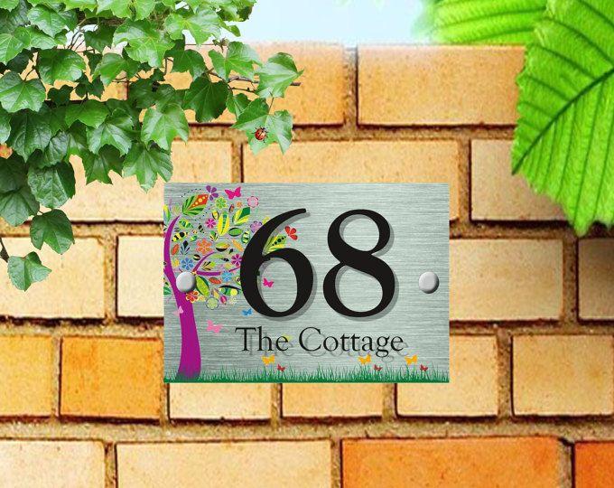 Número de mano floral pintado nombres de porcelana. Placa