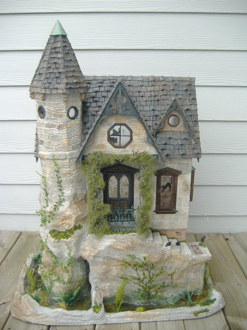 Unique Miniature 1/12th scale Dollhouses: Haunted houses, Cottages, Manors and Castles by Minis On The Edge Tracy Topps