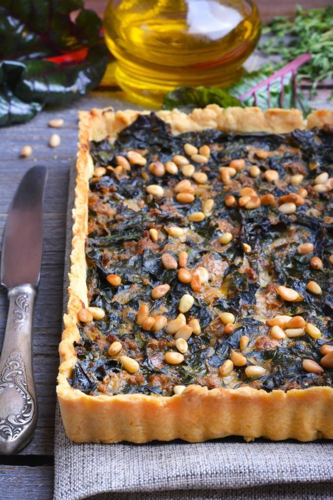 Пирог с мангольдом и фаршем