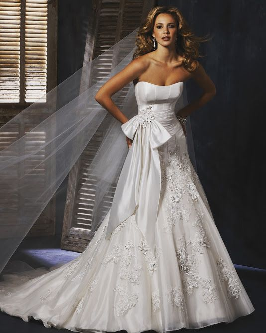 Maggie Sottero Dropped Satin Strapless with Lace full skirt. Removable Bow! Was €̶2̶,̶5̶0̶0̶ , Now Only €895! Size 12& Under