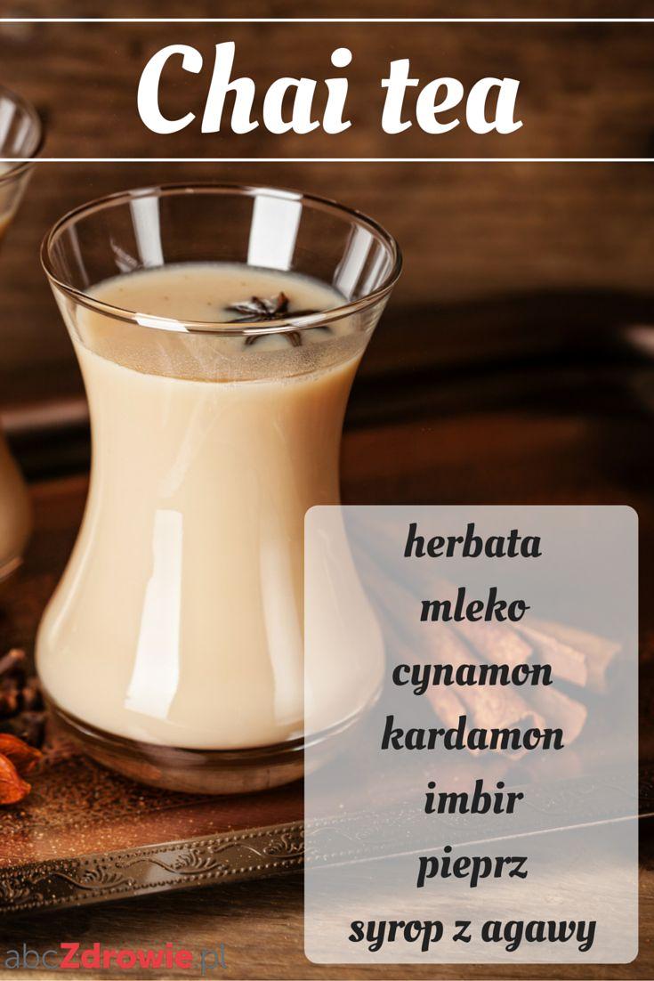 Chai tea latte – hinduski napój o korzennym aromacie. Tak naprawdę to mieszanka czarnej herbaty i przypraw: cynamonu, kardamonu, imbiru, goździków i czarnego pieprzu.  #herbata #tea #chai #chaitea #kardamon #imbir #cynamon #pieprz #napoje #rozgrzanie #cardamom #ginger #cinnamon #pepper #winter #healthy #abcZdrowie
