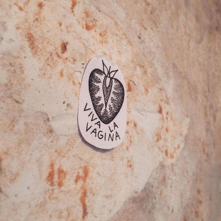 "Gefällt 8 Mal, 1 Kommentare - Ashtray Arts Tattoos (@ashtray_arts_tattoos) auf Instagram: ""Happy worlds women day! 🎉🍓 #wannado #strawberry #strawberrytattoo #vivalavagina #worldwomenday…"""