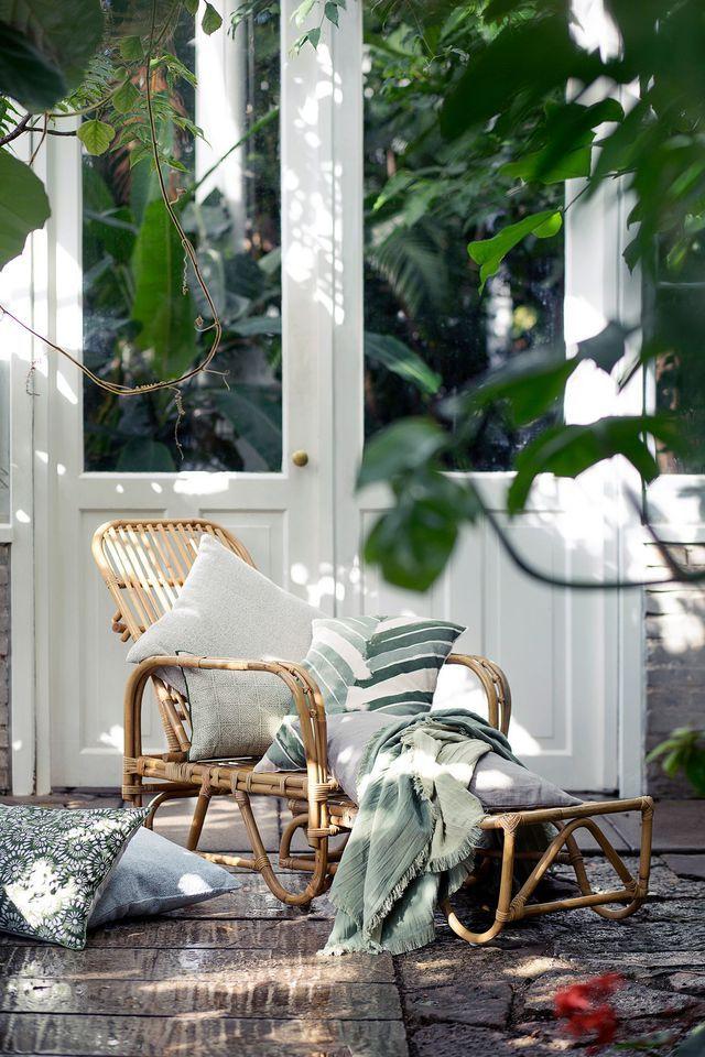 Chaise longue en bois pour une terrasse d'extérieur