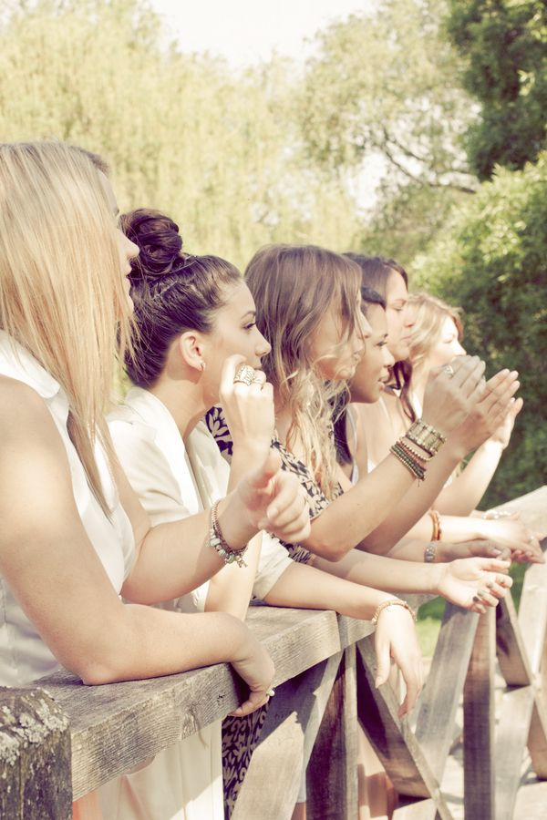 I have 3 groups of crazy girl friends who all starts with C ; Cantico, Cores & Cilukba