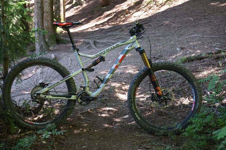 2016 Rotwild X1 27.5 140mm all mountain bike for standard and 275-plus tires with adjustable geometry