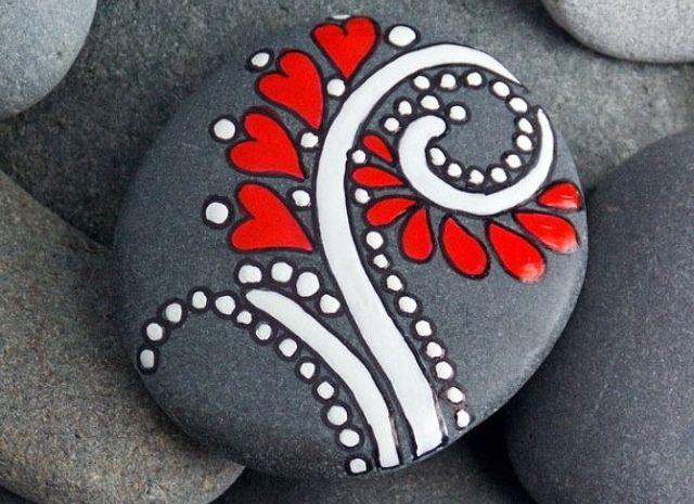 Corazones en rocas