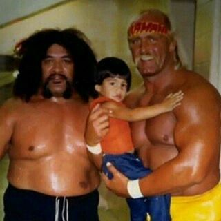 Sika,a young Roman reigns and hulk hogan 1987