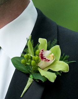 WeddingChannel Galleries: Green and White Garden Boutonniere
