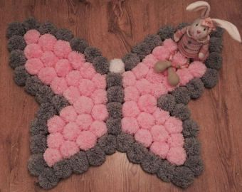 Round and fluffy Pom Pom rug by Kpompommakes on Etsy