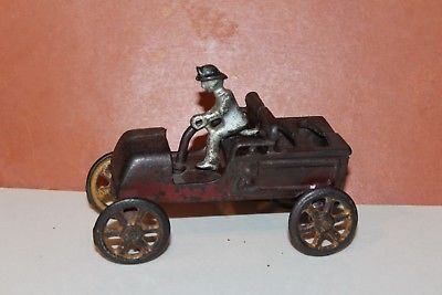 NICE-VINTAGE-CAST-IRON-KENTON-VEHICLE-WITH-TILLER-and-DRIVER