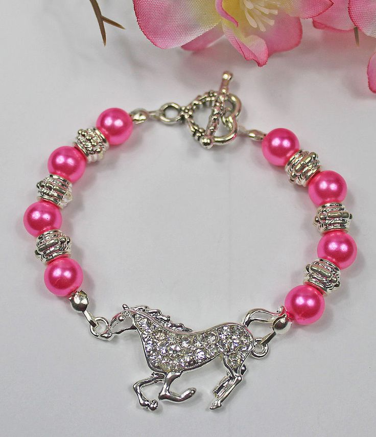 HORSE JEWELLERY BRACLET BRAND NEW HOT PINK GLASS PEARL BEADS