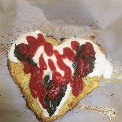 Käsige Blumenkohl-Pizza-Kruste   – Yum!