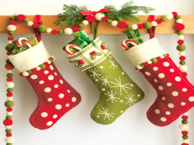 Sweet Sweet Home: LE CALZE DELLA BEFANA ( decorazioni natalizie)