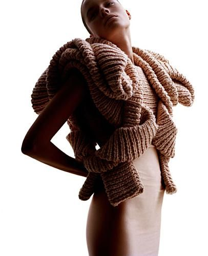 -Sandra Backlund-  *sculpture en tricot