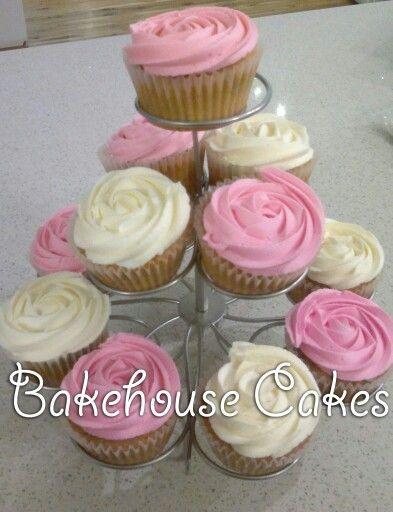 Cream & pink rosette cupcakes