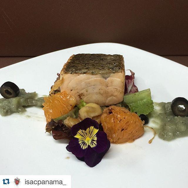 #Repost @isacpanama_ with @repostapp.  Quieres #SerChef ??? Chatéanos al 6967-9673  Y aprende técnicas como  Salmón a la plancha Ensalada de Mandarina y Puré de berenjena  Clases en ISAC PANAMÁ para #SerChef  Carreras Sabatinas aprobadas MEDUCA  #Panama #escueladecocina #gourmet #cook #truecooks #cheflife #food #instachef #chefart #theartofplating #gastroart #gastronomía #chefoninstagram #foodies #foodporn #foodstarz #chefstalk #gourmetartistry #caribbeanculinarycollective #cocina…