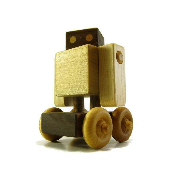 Robot  jouet bois en bois par growwiththegrain sur Etsy