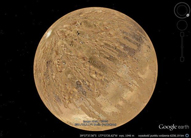 Mars (and Moon and the sky) can be seen in Google Earth !! Who knew