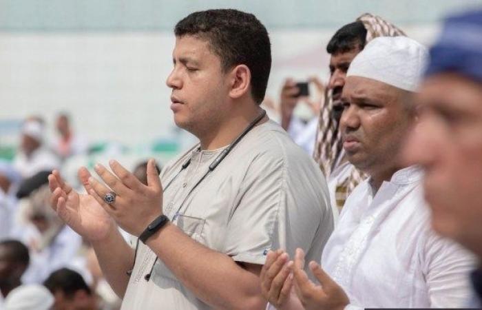 بالصور خطبة الجمعة من المسجد الحرام Couple Photos Photo Scenes
