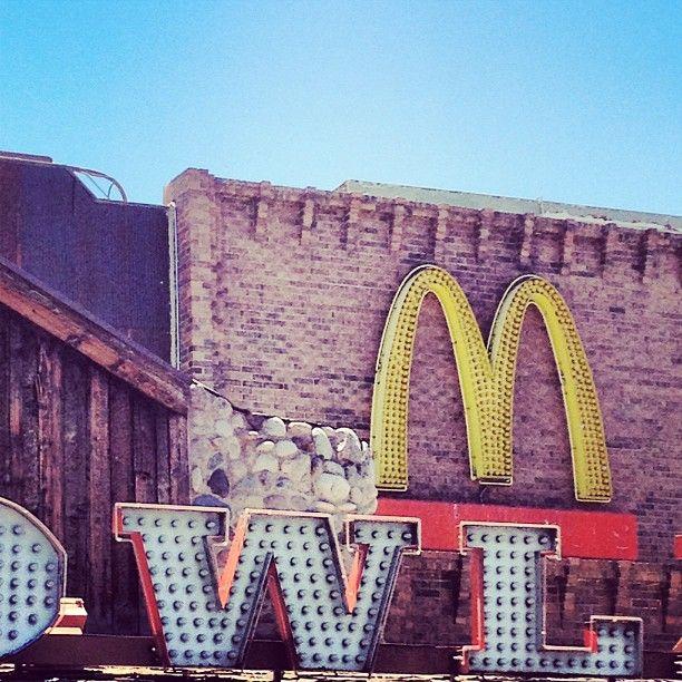 sams town las vegas via @happymundane on Instagram