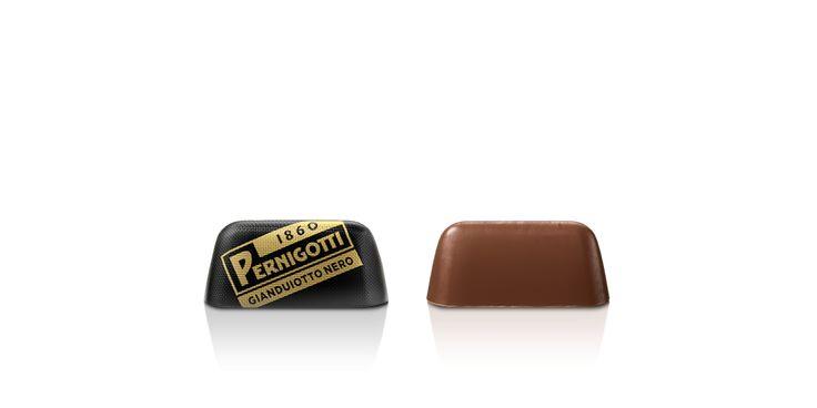 Pralina di cioccolato gianduia fondente