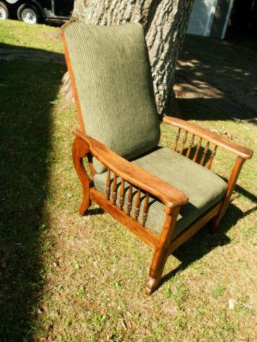 Stunning Antique Quartersawn Oak Morris Chair Recliner w Carved Detail - val.  $1000
