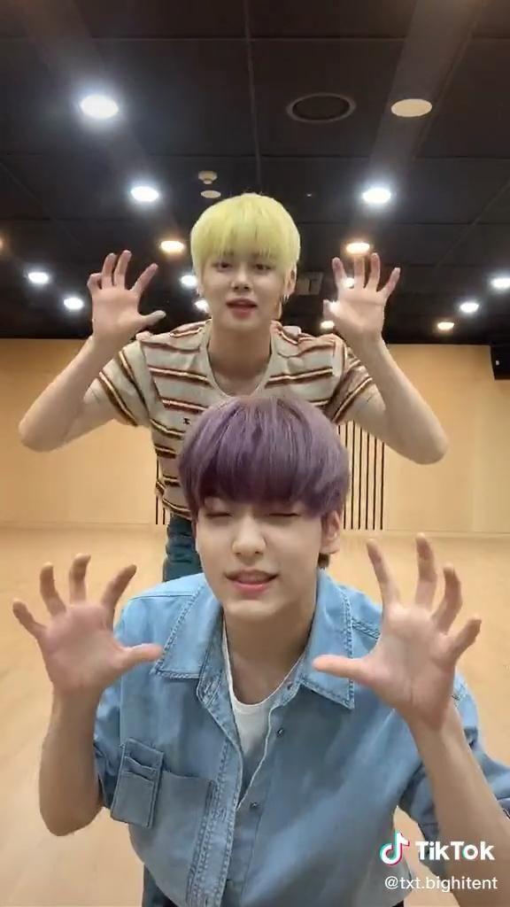 Soobin And Yeonjun Art Documentaries Documentaries Music Videos Filmmaking Dance Music K Pop Music Boy Groups