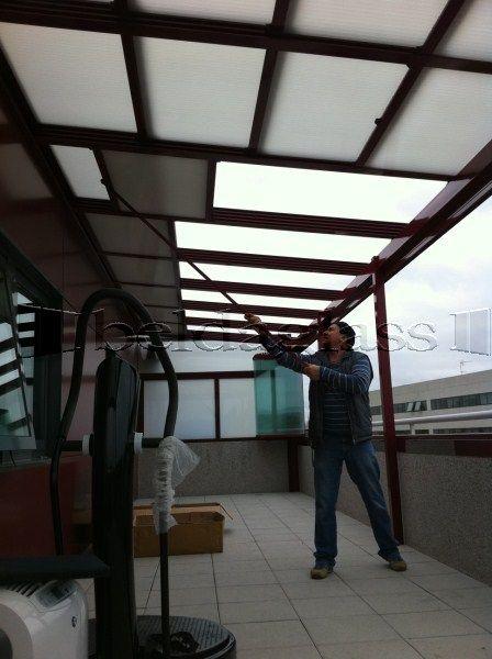 Las 25 mejores ideas sobre techo policarbonato en for Toldos moviles para terrazas