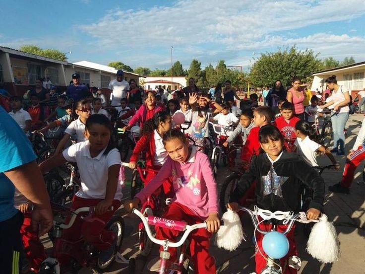 Disfrutan niños y niñas ADN de Casas Grandes bicicletada y feria familiar en la primaria Benito Juárez   El Puntero