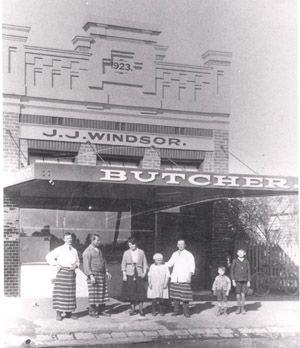 Location: Watton Street, Werribee.(at this address 1933).