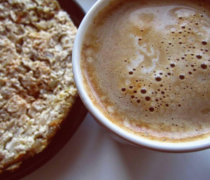 """281 Likes, 16 Comments - Беременность✨Любовь💞Фитнес🍑 (@nataliamit) on Instagram: """"Идеальный завтрак, который был уничтожен мной за 5 минут. Кофе и целый яблочный пирог мне одноой☺…"""""""
