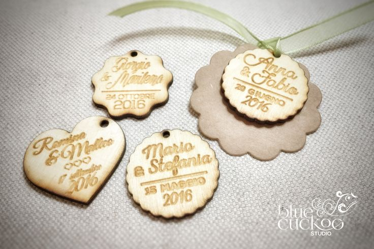50 customized wedding woodentags for wedding favor and invitations di bluecuckoostudio su Etsy