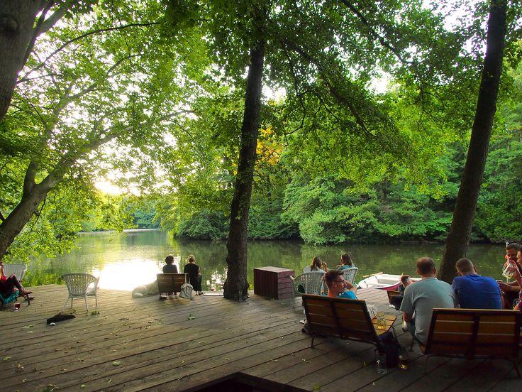 Café am Neuen See | Lichtensteinallee 2,10787 Berlin