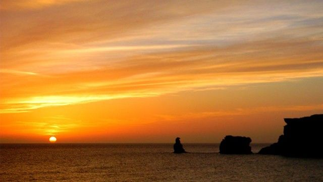 Sunset in Triopetra (Discover Southern Rethymno, Crete: http://cretazine.com/en/crete/travel-explore/island-routes/item/2414-the-beaches-of-souther-rethymno-route)
