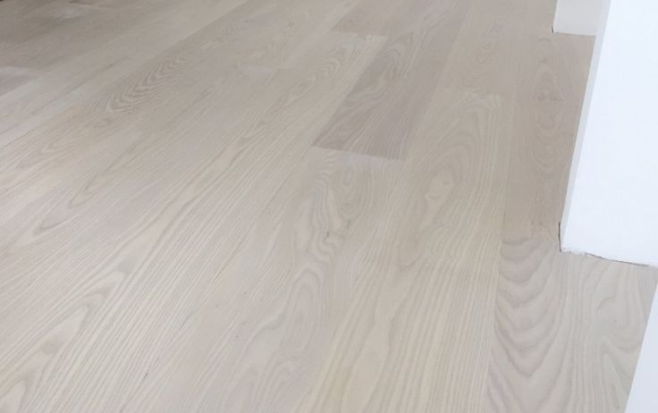 Engineered american white ash saatchi a durable for Scandinavian laminate flooring