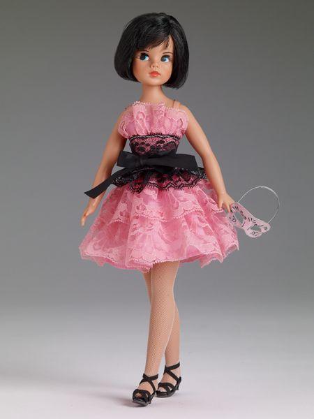Sindy Collection | Tonner Doll Company - Sindy's Halloween Treat - American debut of the new Sindy Doll - #SindyDoll #TonnerDolls #RetroChic #FashionablyBritish
