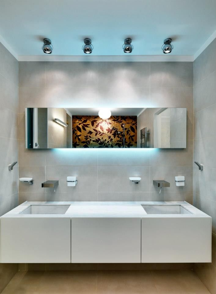 Private Villa am Comer See-Studio Marco Piva zeitgenössische Innenarchitektur erstaunlich schöne Innenarchitektur minimalistischen design eleganten Kunst anzeigen modernes Design Traum zuhause glänzendes Badezimmer